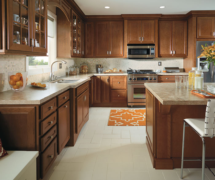 traditional_kitchen_with_cherry_cabinets_2