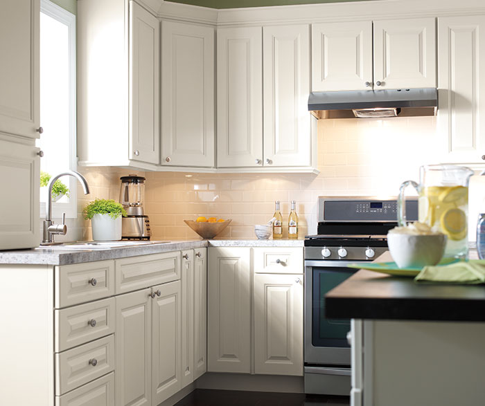 off_white_painted_kitchen_cabinets_french_vanilla_3